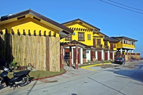 Costa Villa Beach Resort Exterior