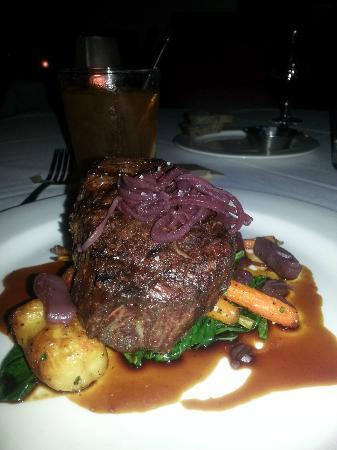 King Estate Restaurant & Tasting Room : My delicious filet mignon
