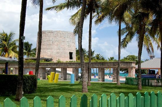 Freeport Grand Bahama Island This Hotel In Port Lucaya Is Already Closed 8