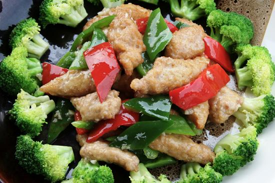 Cafe China: chicken and broccoli