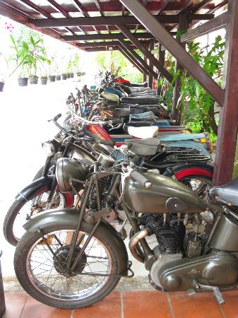 Blue Waves (Tien Dat) Resort : row of antique bikes in the hotel