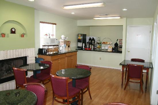 Days Inn Kerrville : breakfast