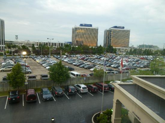 Hampton Inn & Suites Toronto Airport: Ons uitzicht vanuit de kamer