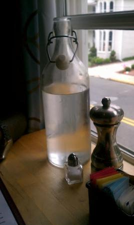 Ava's Pizzeria & Wine Bar: Water Jugs placed on the table