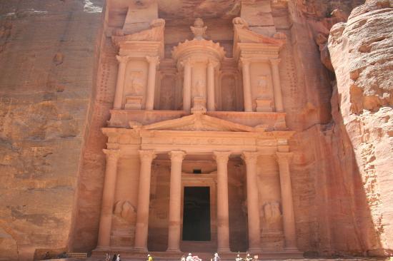 Boat Trip Sharm El Sheikh to Petra : Al Khazneh