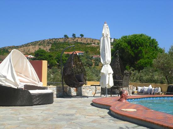 Skiathos Island Suites : Views from pool