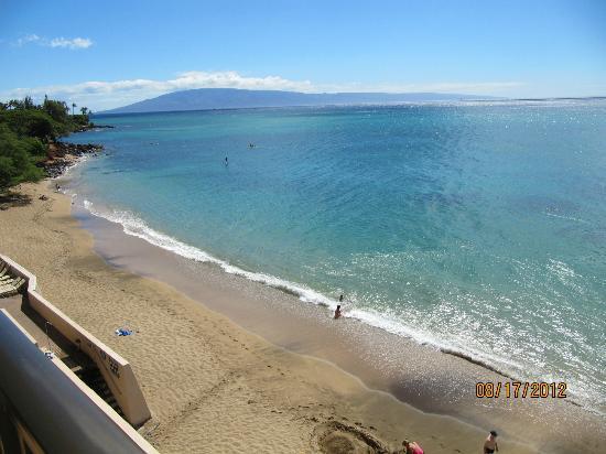 Kahana Beach Resort: View to the west