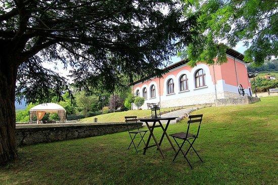Apartamentos Rurales Les Escueles de Collia