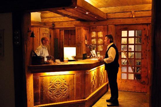 Hotel Chesa Grischa: reception