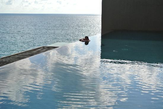 Impiana Private Villas Kata Noi : Beautiful! The pool, not me.