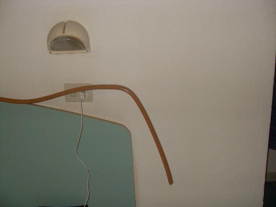 Hotel San Vincenzo Terme: rotto