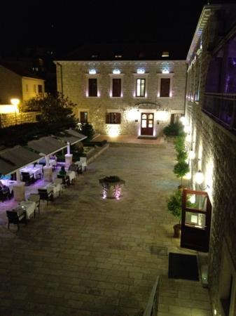 Dubrovnik Restaurant at Hotel Kazbek : kazbek restaurant
