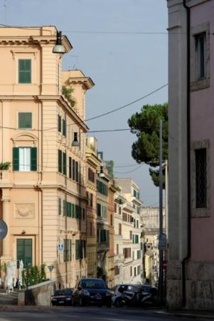 Feliz in Roma: 近所の通り