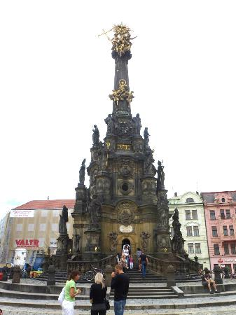 Holy Trinity Column: another view