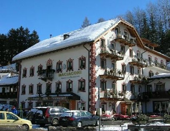 Boutique & Fashion Hotel Maciaconi - Gardenahotels: Boutique & Fashion Hotel Maciaconi - Selva Val Gardena