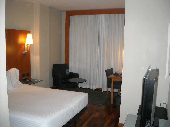 AC Hotel Leon San Antonio: habitacion