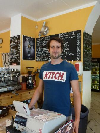 Cafe 87 : Friendly staff (Thanks Jarda)