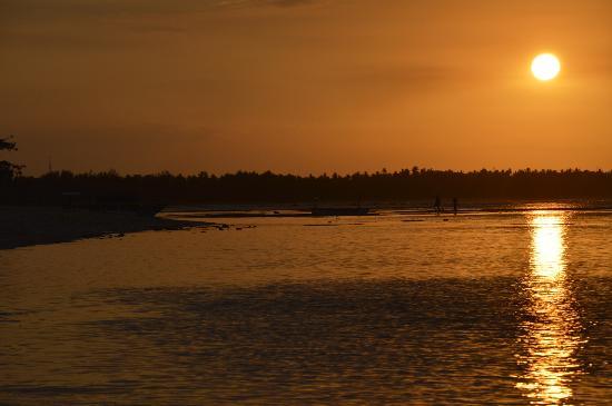 Hotel Tugu Lombok : sunset on the beach