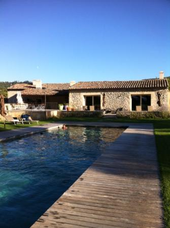 Le Mas del Sol: View of the house from pool