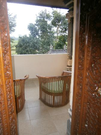 Villa Agung Khalia: Top floor small balcony