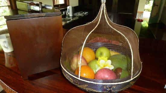 Bidadari Private Villas & Retreat: Daily fruit plate