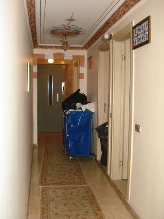 Alaaddin Hotel: Corridor