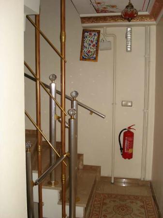 Alaaddin Hotel: Staircase
