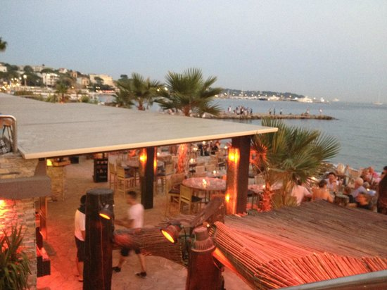 Plage le colombier juan les pins restaurant reviews for Hotels juan les pins