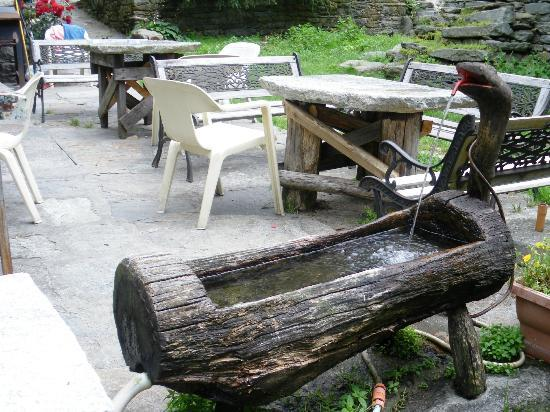 Trattoria del Ponte: tavoli all'apero