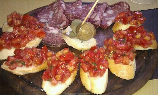 Camping Boschetto Di Piemma: crostini e salumi