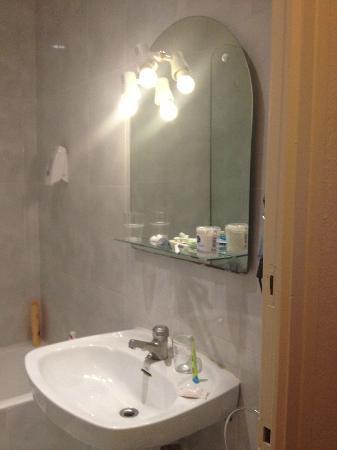 Nereida Hotel : salle de bain