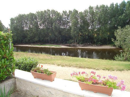 Barrou, Francia: Peace