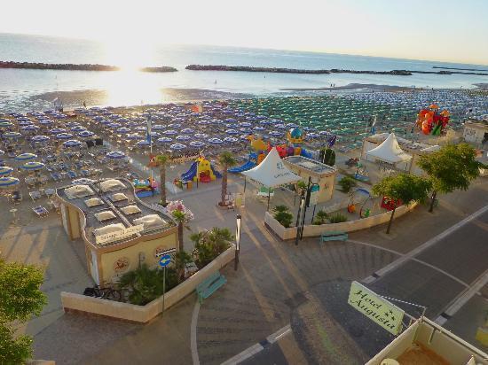 Hotel Augusta: veduta della spiaggia