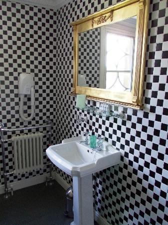 Lea Hall: Bathroom of The Chocolate Room - Room 10