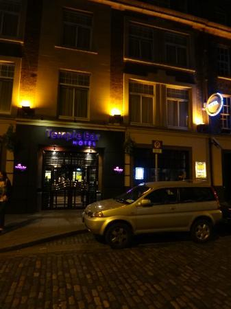 Temple Bar Hotel: view from outside