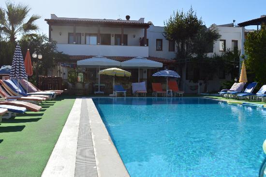 Cimentepe Apart: pool