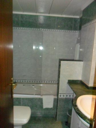Aparthotel Napols: baño