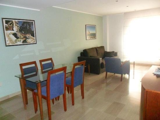 Aparthotel Napols: salon