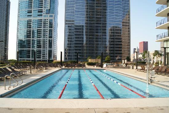 Radisson Blu Aqua Hotel Outdoor Pool