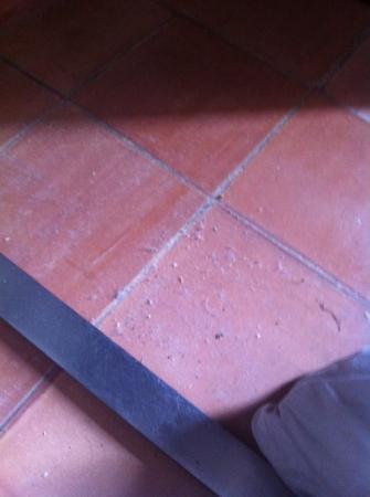 Hotel des Puig: Dreck im Zimmer