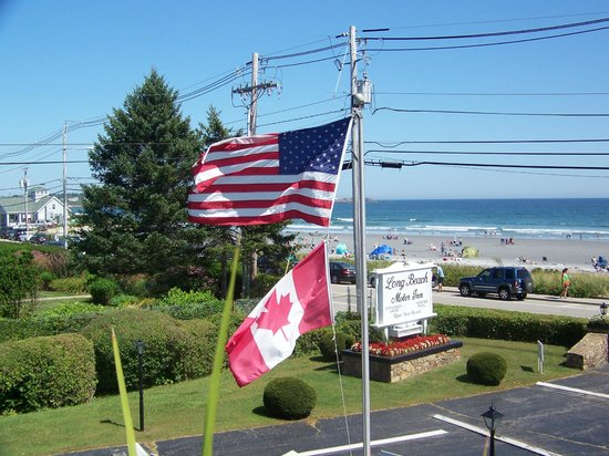 Long Beach Motor Inn: Gary (owner) from Canada, hence..the other flag =)