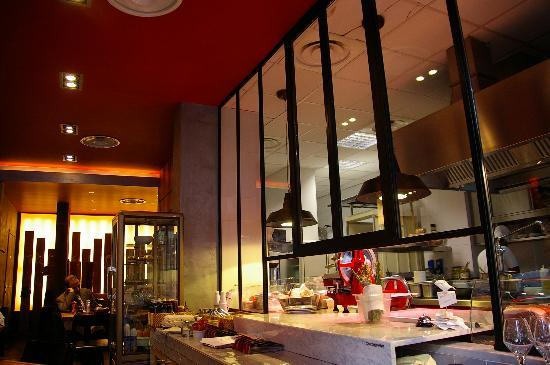 Cucina con vista - Picture of Meat Grill Food, Milan ...