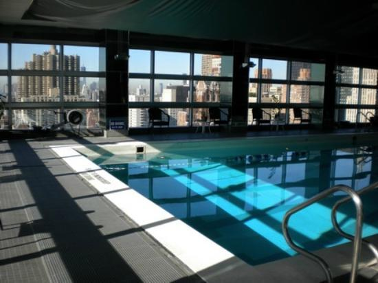 Piscine photo de one un new york new york tripadvisor for Piscine new york