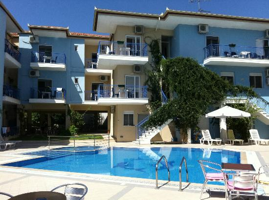 Stratos Hotel: foto hotel stratos dalla piscina
