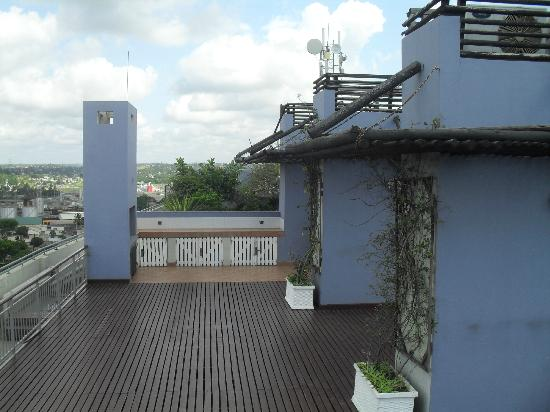 Blue Pearl Hotel: rooftop area, with the inbuilt bar b q to the left