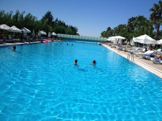 Kervansaray Hotel Kundu: Amazing pool