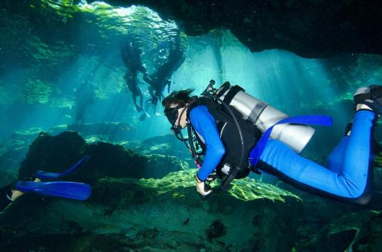 Yucatek Divers: Cenotes great photo op