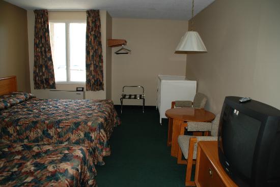 The Diplomat Inn : chambre