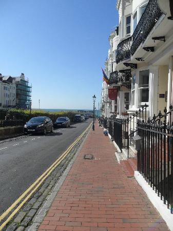 Five Hotel: Great view, very short walk to the sea front!