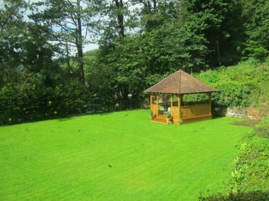 The Royal Lodge: garden
